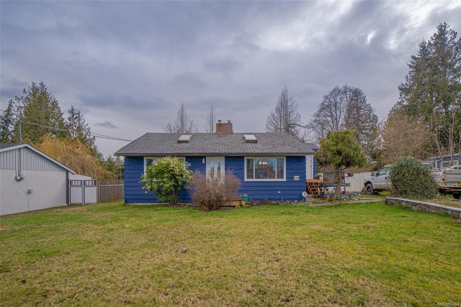 Main Photo: 598 Forsyth Ave in : PQ Parksville House for sale (Parksville/Qualicum)  : MLS®# 866784