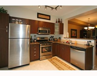 Photo 2: 95 2200 PANORAMA Drive in Port_Moody: Heritage Woods PM Townhouse for sale (Port Moody)  : MLS®# V772360