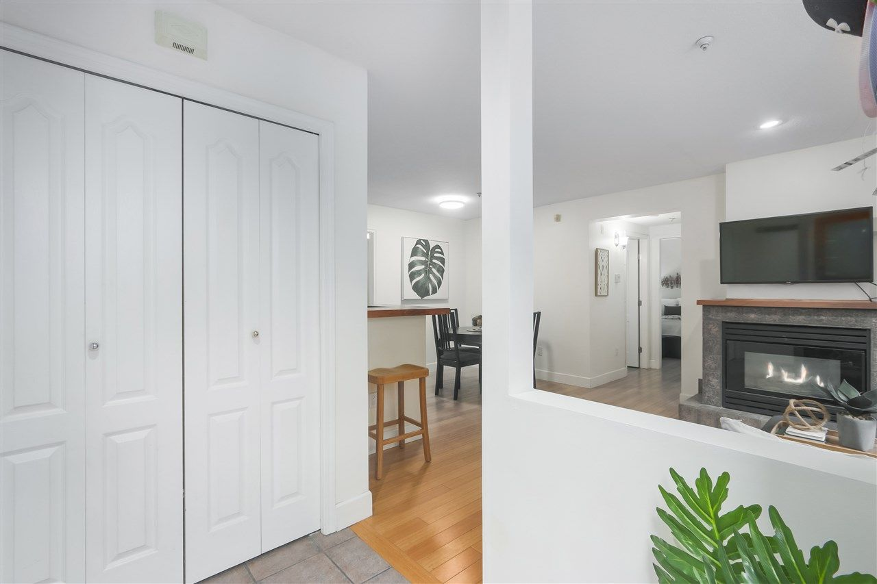 """Photo 15: Photos: 103 657 W 7TH Avenue in Vancouver: Fairview VW Townhouse for sale in """"THE IVYS"""" (Vancouver West)  : MLS®# R2348649"""
