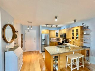 "Photo 13: 210 15777 MARINE Drive: White Rock Condo for sale in ""South Beach"" (South Surrey White Rock)  : MLS®# R2591783"