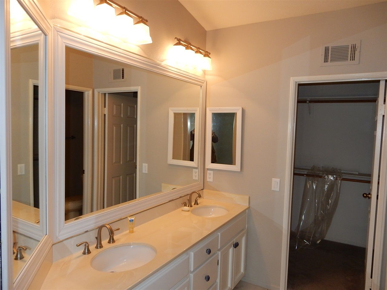 Photo 10: Photos: AVIARA Townhouse for rent : 3 bedrooms : 1662 Harrier Ct in Carlsbad
