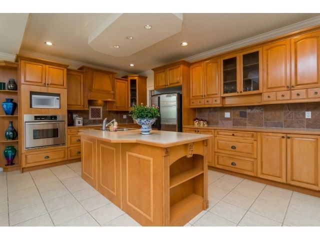 Photo 10: Photos: 11127 156A Street in Surrey: Fraser Heights House for sale (North Surrey)  : MLS®# R2071539