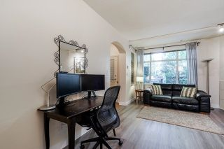 """Photo 10: 54 6878 SOUTHPOINT Drive in Burnaby: South Slope Townhouse for sale in """"CORTINA"""" (Burnaby South)  : MLS®# R2615060"""