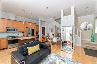 Photo 5: 3 209 Superior St in : Vi James Bay Row/Townhouse for sale (Victoria)  : MLS®# 877635
