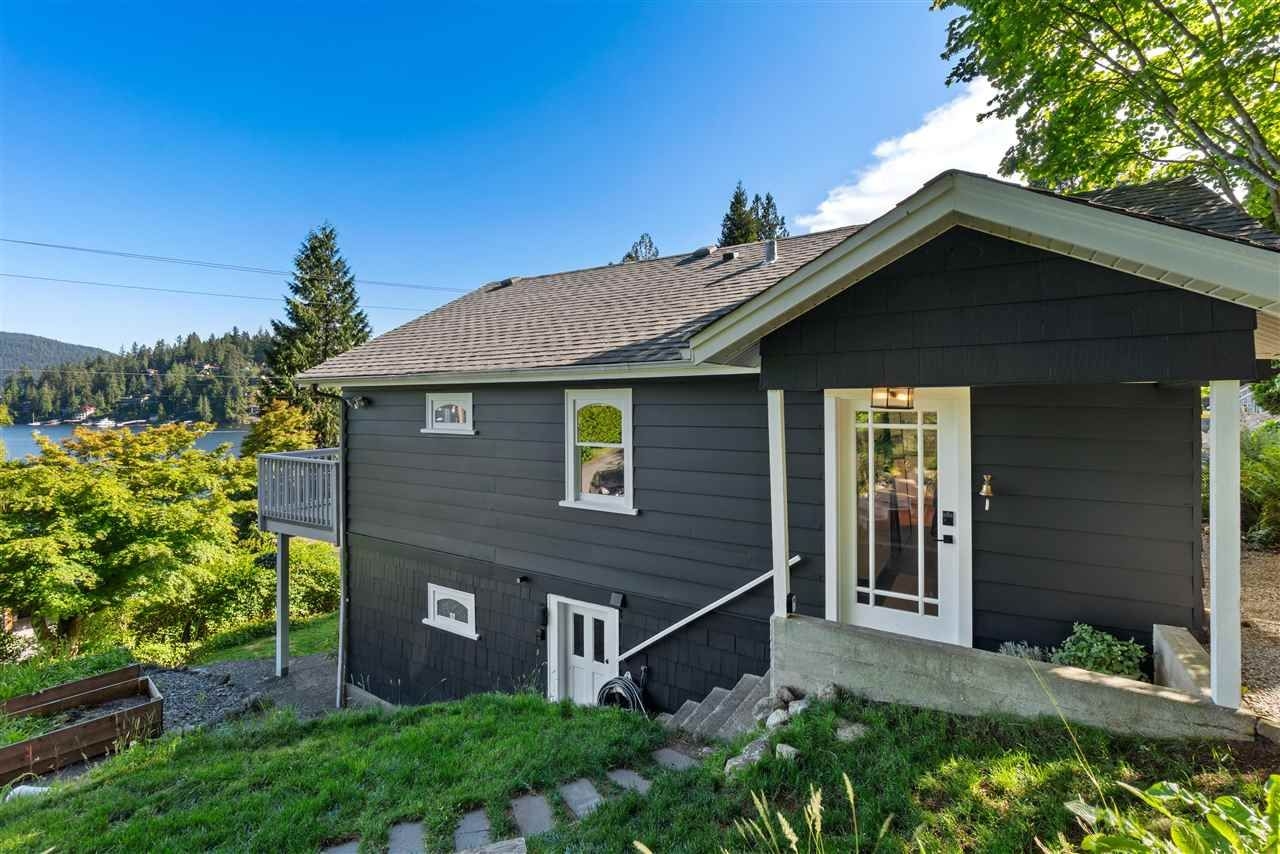 Main Photo: 2689 PANORAMA DRIVE in North Vancouver: Deep Cove House for sale : MLS®# R2585553