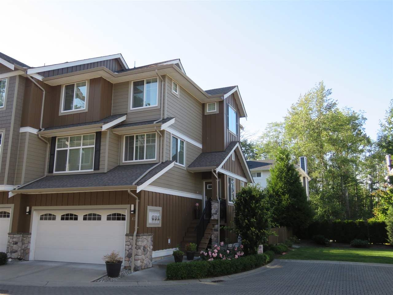 """Main Photo: 63 3009 156 Street in Surrey: Grandview Surrey Townhouse for sale in """"KALISTO"""" (South Surrey White Rock)  : MLS®# R2182367"""