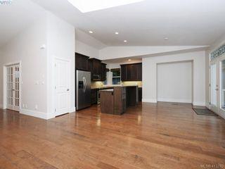 Photo 6: 1210 Lavinia Lane in VICTORIA: SE Cordova Bay House for sale (Saanich East)  : MLS®# 819540