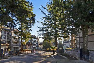 """Photo 2: 305 33318 E BOURQUIN Crescent in Abbotsford: Central Abbotsford Condo for sale in """"Nature's Gate"""" : MLS®# R2217570"""