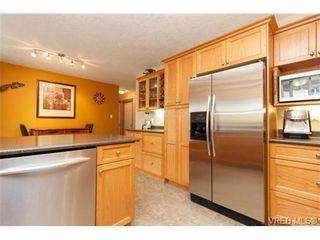 Photo 7: 101 7570 Tetayut Rd in SAANICHTON: CS Hawthorne Manufactured Home for sale (Central Saanich)  : MLS®# 714822