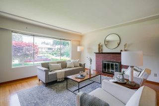 Photo 3: 4463 CEDARWOOD Court in Burnaby: Garden Village House for sale (Burnaby South)  : MLS®# R2583714
