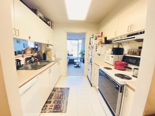 """Photo 3: 305 2628 ASH Street in Vancouver: Fairview VW Condo for sale in """"Cambridge Gardens"""" (Vancouver West)  : MLS®# R2545221"""