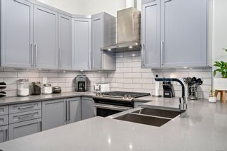 Photo 9: 108 2049 Country Club Way in : La Bear Mountain Condo for sale (Langford)  : MLS®# 864297