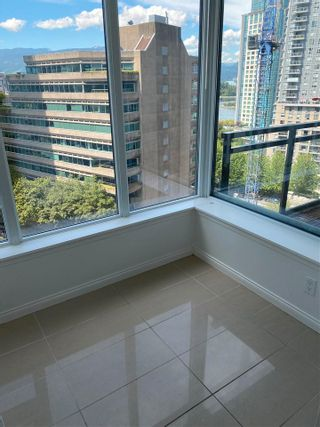"""Photo 3: 905 1211 MELVILLE Street in Vancouver: Coal Harbour Condo for sale in """"THE RITZ"""" (Vancouver West)  : MLS®# R2587389"""