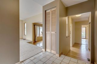 Photo 5: 3603 Chippendale Drive NW in Calgary: Charleswood Detached for sale : MLS®# A1103139