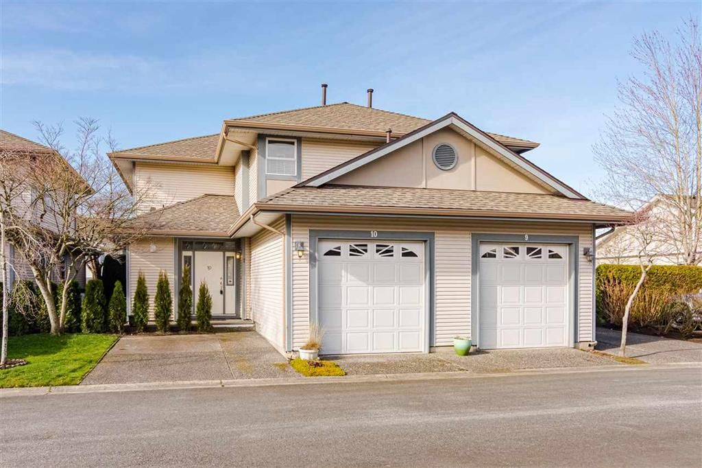 Main Photo: 10 4725 221 Street in Langley: Murrayville Townhouse for sale : MLS®# R2465425