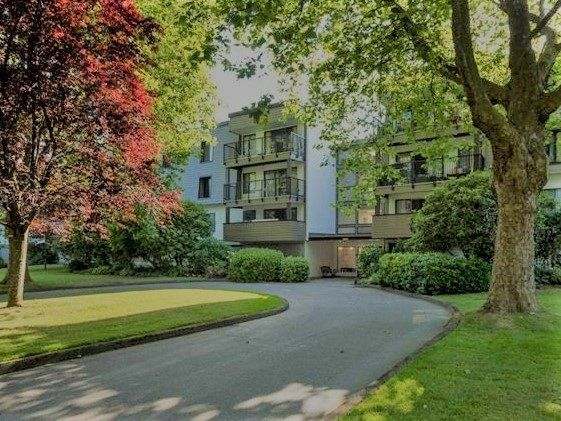 "Main Photo: 109 8880 NO 1 Road in Richmond: Boyd Park Condo for sale in ""APPLE GREENE PARK"" : MLS®# R2241739"