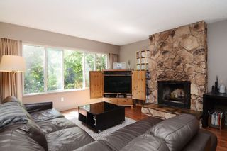 Photo 2: 1401 WINSLOW Avenue in Coquitlam: Central Coquitlam House for sale : MLS®# R2178308