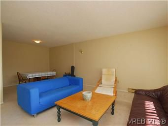 Photo 4: Photos: 111 1490 Garnet Rd in VICTORIA: SE Cedar Hill Condo for sale (Saanich East)  : MLS®# 575879