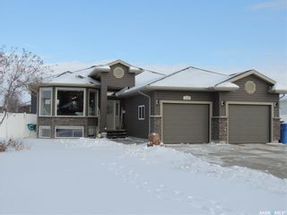 Photo 1: 309 Frehlick Bay in Estevan: Trojan Residential for sale : MLS®# SK795520