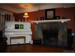 Photo 2: 123 Cook St in VICTORIA: Vi Fairfield West House for sale (Victoria)  : MLS®# 603084