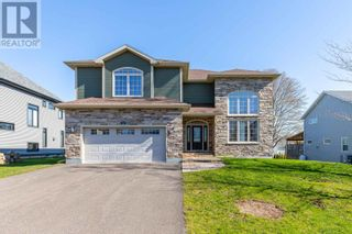 Photo 1: 82 Nash Drive in Charlottetown: House for sale : MLS®# 202111977