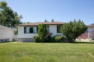 Main Photo: 2423 7 Street NE in Calgary: Winston Heights/Mountview Detached for sale : MLS®# A1124852