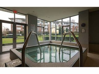 """Photo 4: 2302 2289 YUKON Crescent in Burnaby: Brentwood Park Condo for sale in """"WATERCOLOURS"""" (Burnaby North)  : MLS®# V1088877"""