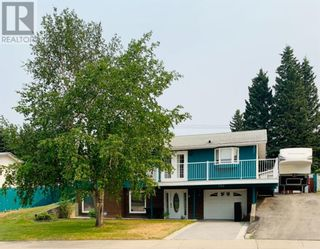 Photo 1: 142 Lodgepole Drive in Hinton: House for sale : MLS®# A1129926