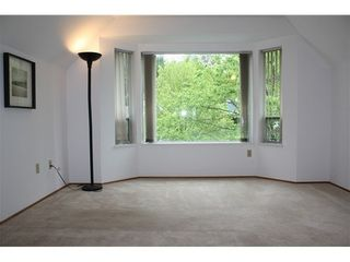 Photo 5: 3324 FLAGSTAFF Place in Vancouver East: Champlain Heights Home for sale ()  : MLS®# V940570