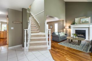 """Photo 3: 20481 97A Avenue in Langley: Walnut Grove House for sale in """"Derby Hills"""" : MLS®# R2592504"""