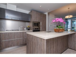 Photo 1: 413 77 WALTER HARDWICK AVENUE in Vancouver West: Home for sale : MLS®# R2014359