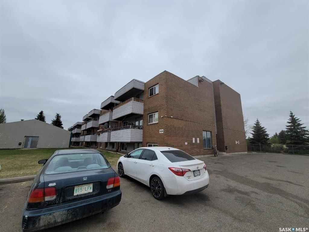 Main Photo: 205 529 X Avenue South in Saskatoon: Meadowgreen Residential for sale : MLS®# SK855704
