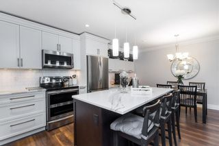 Photo 2: 308 1319 MARTIN STREET in South Surrey White Rock: White Rock Home for sale ()  : MLS®# R2473599