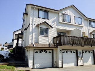 """Main Photo: 40 45740 THOMAS Road in Sardis: Vedder S Watson-Promontory Townhouse for sale in """"RIVERWYND"""" : MLS®# R2375329"""