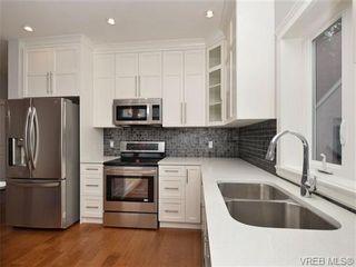 Photo 4: 1025 Fashoda Pl in VICTORIA: La Happy Valley House for sale (Langford)  : MLS®# 691084
