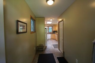 Photo 4: 7716 Golf Course Road in Anglemont: North Shuswap House for sale (Shuswap)  : MLS®# 10135100