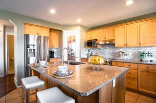 Photo 9: 408 Shannon Square SW in Calgary: Shawnessy Detached for sale : MLS®# A1088672
