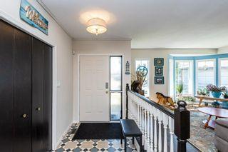 Photo 3: 10128 160 Avenue in Edmonton: Zone 27 House for sale : MLS®# E4247590