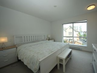 """Photo 9: 16 2325 RANGER Lane in Port Coquitlam: Riverwood Townhouse for sale in """"Fremont Blue"""" : MLS®# R2272901"""