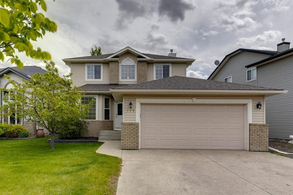 Main Photo: 777 Coopers Drive SW: Airdrie Detached for sale : MLS®# A1119574