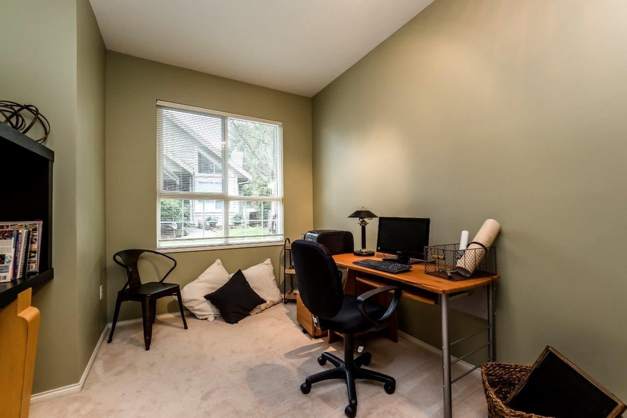 """Photo 13: Photos: 201 1465 PARKWAY Boulevard in Coquitlam: Westwood Plateau Townhouse for sale in """"SILVER OAK"""" : MLS®# R2249659"""
