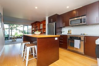 Photo 7: 3 395 Tyee Rd in Victoria: VW Songhees Row/Townhouse for sale (Victoria West)  : MLS®# 840543
