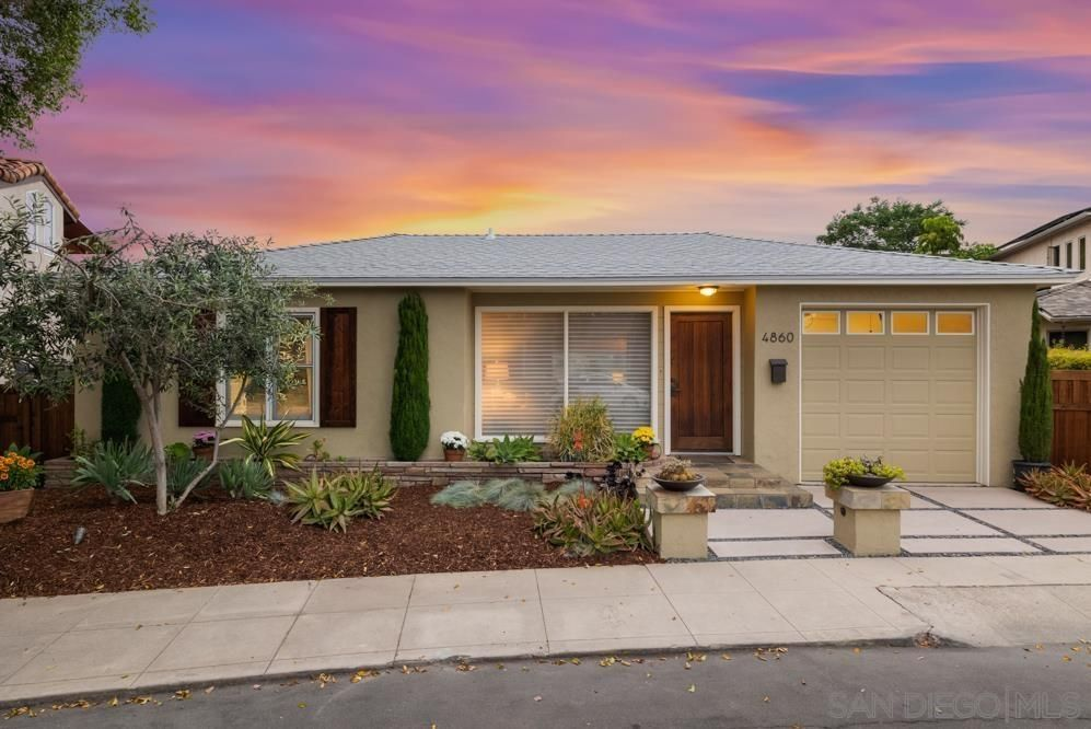 Main Photo: KENSINGTON House for sale : 4 bedrooms : 4860 W Alder Dr in San Diego