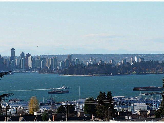 """Main Photo: 404 701 W VICTORIA Park in North Vancouver: Central Lonsdale Condo for sale in """"PARK AVENUE PLACE"""" : MLS®# V1036074"""