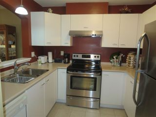 Photo 15: 228 1252 TOWN CENTRE Boulevard in Coquitlam: Canyon Springs Condo for sale : MLS®# R2094814