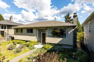 Photo 1: 1135 CLOVERLEY Street in North Vancouver: Calverhall House for sale : MLS®# R2604090