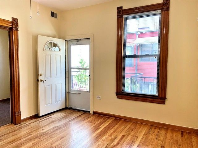 Photo 3: Photos: 1340 Claremont Avenue in Chicago: CHI - West Town Rentals for rent ()  : MLS®# 10534602