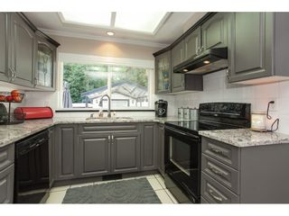 Photo 15: 6325 180A Street in Surrey: Cloverdale BC House for sale (Cloverdale)  : MLS®# R2314641