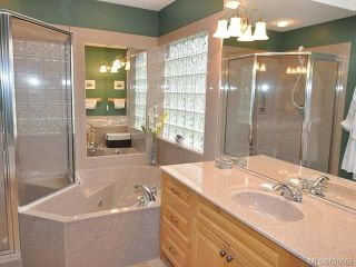 Photo 8: 911 Lakes Blvd in FRENCH CREEK: PQ French Creek Row/Townhouse for sale (Parksville/Qualicum)  : MLS®# 626665