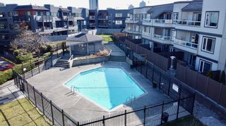 """Photo 21: 312 1840 E SOUTHMERE Crescent in Surrey: Sunnyside Park Surrey Condo for sale in """"SOUTHMERE MEWS WEST"""" (South Surrey White Rock)  : MLS®# R2443327"""